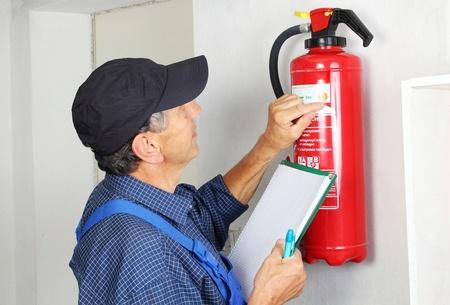 Tűzoltó készülékek ellenőrzése